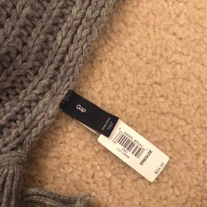GAP Accessories - Gap Grey cable knit scarf NWT
